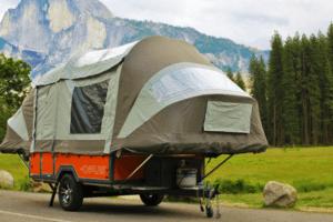 Quelle caravane pliante choisir pour faire du camping ? L'avis d'un expert !
