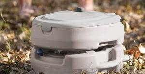 Top 6 WC chimique pour camping car et caravane – Avis et guide d'achat complet